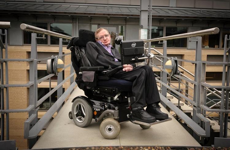 Stephen Hawking ve Acılarla Dolu Başarı Hikayesi
