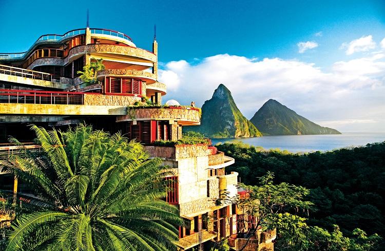 """Tatil Sözcüğünün Anlamını Değiştiren Lüks Otel: """"Jade Mountain Saint Lucia"""""""