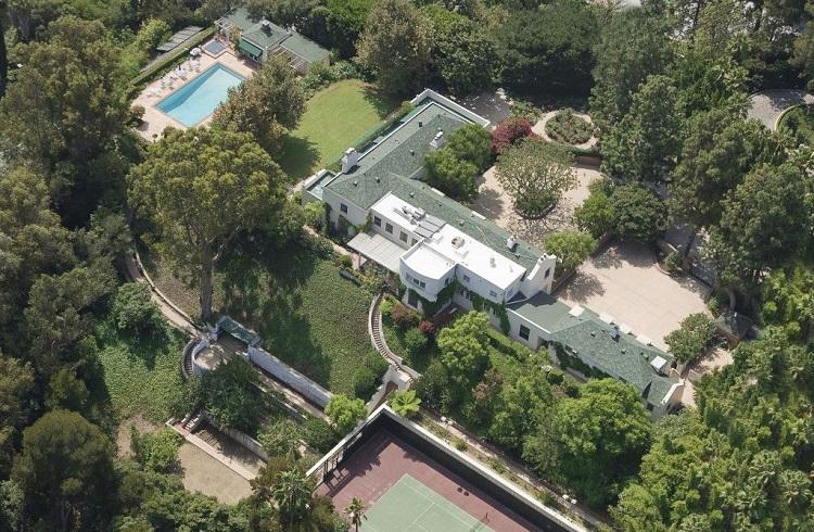 Taylor Swift'in Ünlüler Şehri Beverly Hills'ten Aldığı Yeni Malikanesi