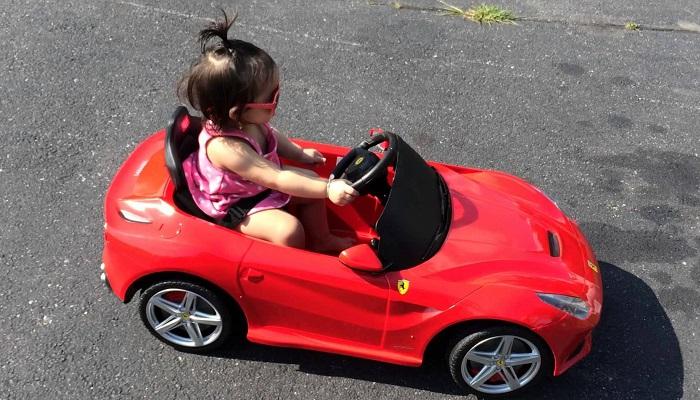 Ferrari F12 Çocuk Arabası