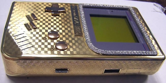 18 Ayar Altından Yapılmış Nintendo Gameboy