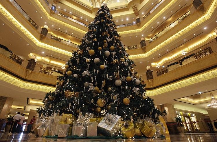 İnanılması Güç Bir Fiyata Tasarlanan Dünyanın En Pahalı Yılbaşı Ağacı