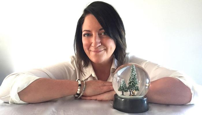 Dünyanın İlk Elmas Kar Küresi Leah Andrews