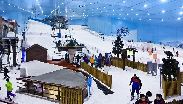 Emirates Alışveriş Merkezi'nde Kayak Yapabilirsiniz