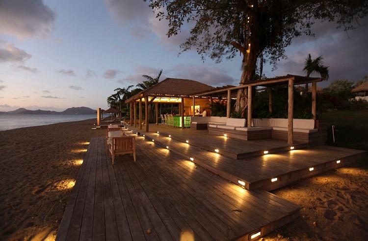 """Kışın Yapacağınız Kaçamağın Adresi: """"Paradise Beach Resort Nevis"""""""