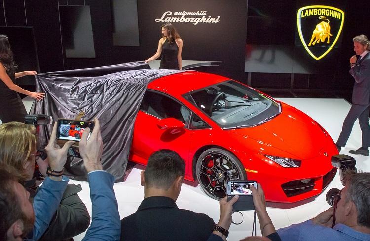 """Lamborghini'nin Dört Çeker Özellikli Yeni Modeli: """"Huracan LP 580-2"""""""