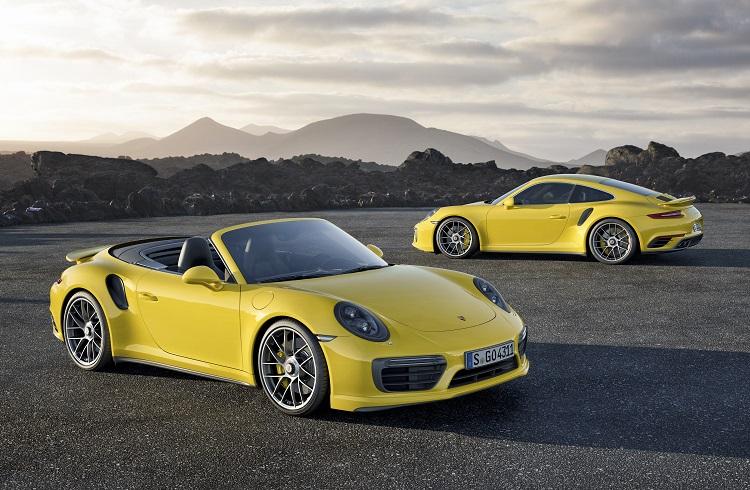 """Porsche için 2017'nin Anlamı: """"911 Turbo&Turbo S Cabriolet"""""""