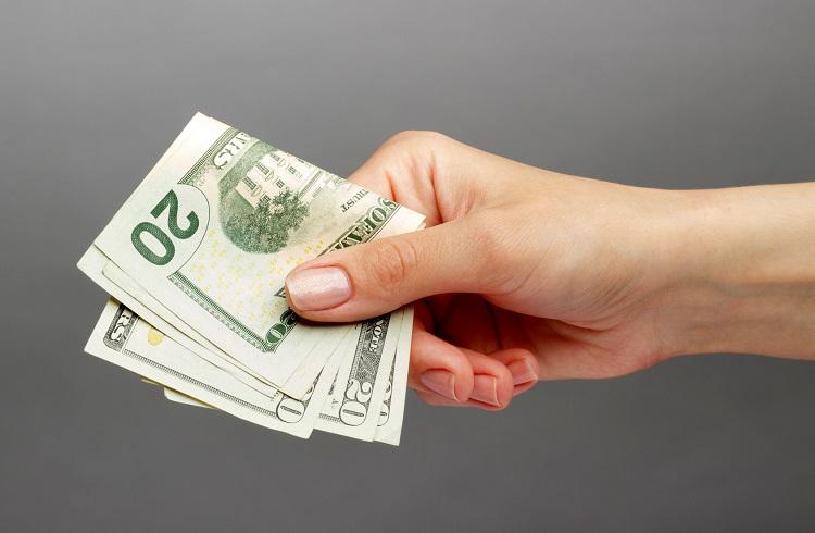 Yatırımcılar FED Öncesi Dolar Alıyor