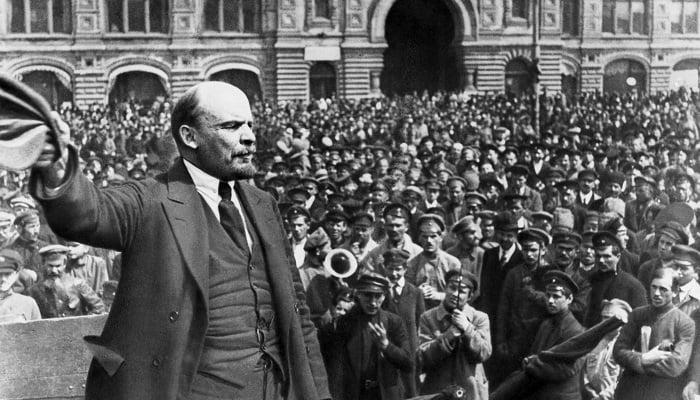 Almanya Vladimir Lenin'in Rusya'ya Dönüşüne Yardım Etti
