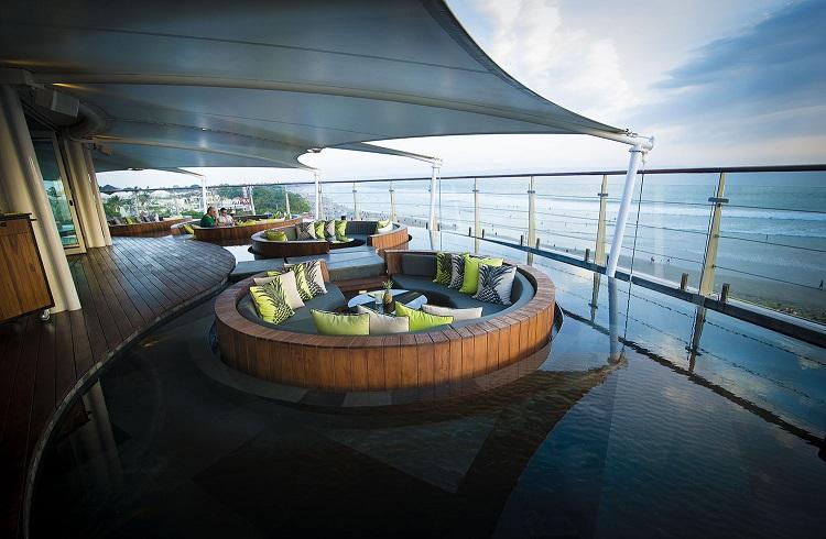"""Beş Yıldızlı Bir Bali Harikası: """"Seminyak Double Six Resort"""""""
