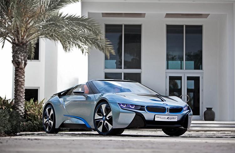 """BMW'den Cep Telefonu Uyumlu Yeni Bir Başyapıt: """"i8 Spyder Concept"""""""