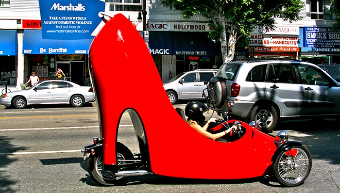 Topuklu Ayakkabı Konseptli Araba