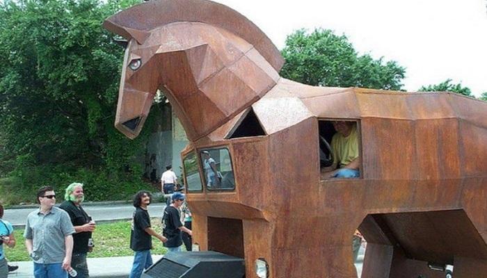 Truva Atı Arabası