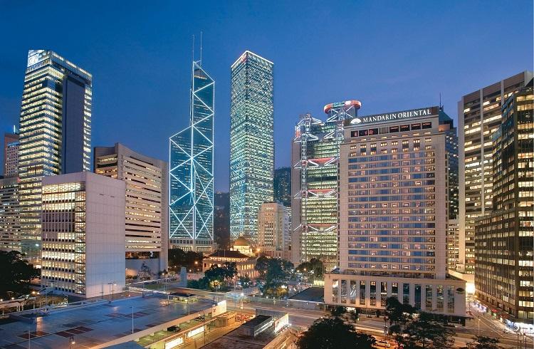 """Dünyaca Ünlü İsimlerin Kaçamak Noktası Lüks Otel: """"Mandarin Oriental"""""""