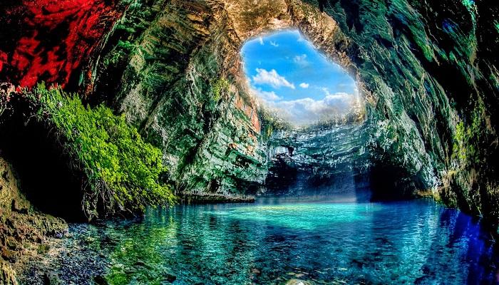 Melissani Mağarası - Yunanistan