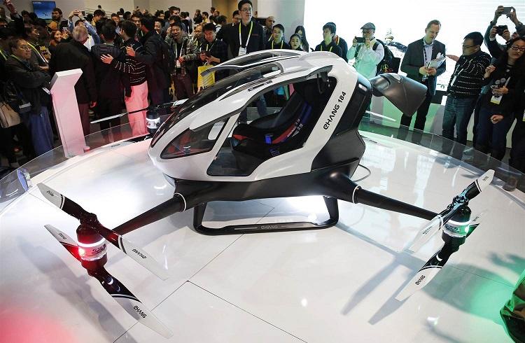 """Dünyanın İlk İnsan Taşıyabilen Drone Modeli: """"Ehang 184"""""""