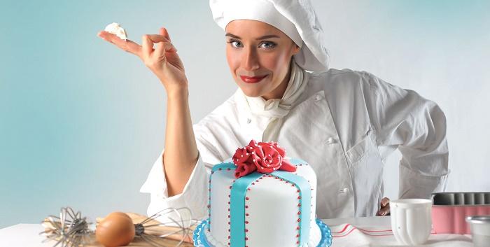 Evde Pasta Yaparak Para Kazanmak için Hangi Yöntemler İzlenir?