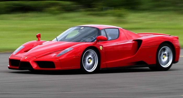 Kırmızı Renk Neden Ferrari'nin Simgesi Haline Gelmiştir?