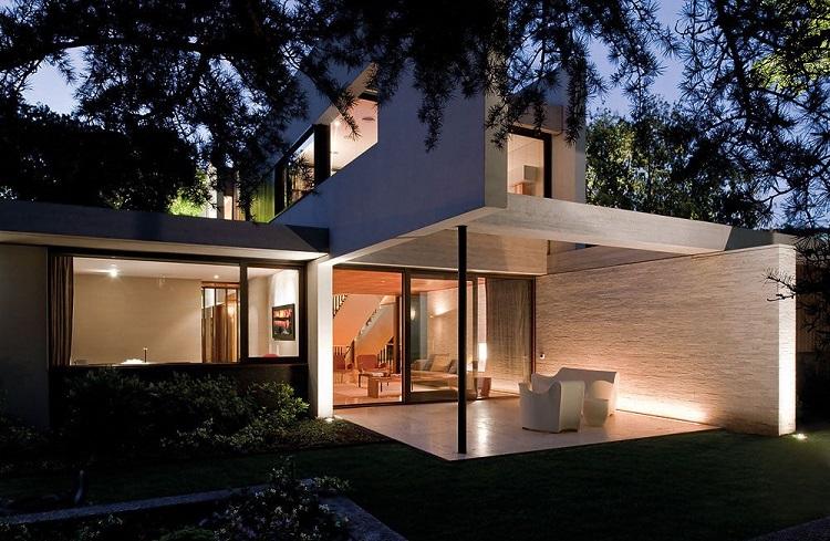 """""""H"""" Harfi Şeklinde Tasarlanan Modern Bir Ev: """"Fray Leon House"""""""