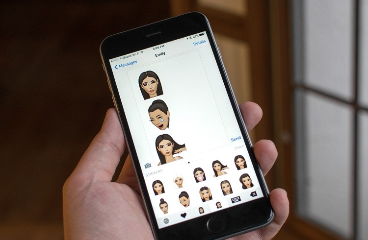 Kim Kardashian'ın Kimoji Adındaki Uygulaması Apple Store'u Çökertti