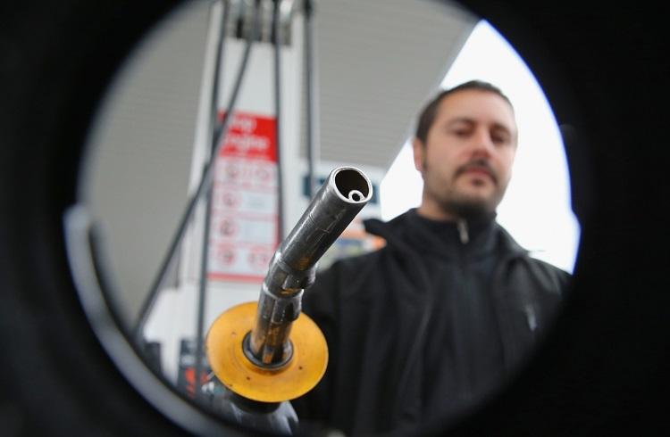 Petrol Kayıplarını Genişletmeye Devam Ediyor