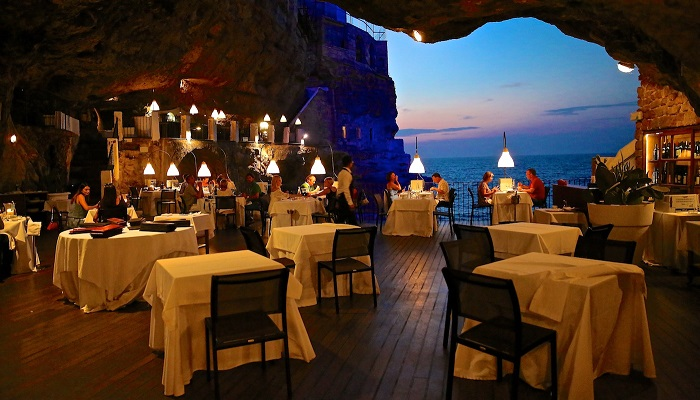 Grotta Palazzese Hotel - İtalya