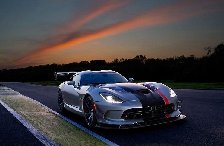 2016 Yılının En İyi Performansa Sahip 10 Yarış Arabası ve Konsept Modeli