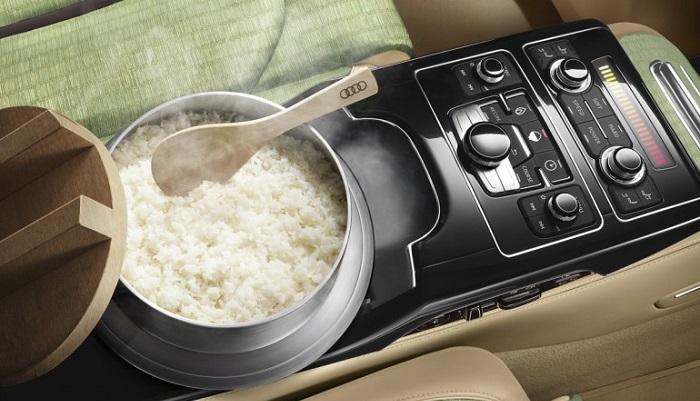 Dünyanın İlk Yemek Pişirme Konsoluna Sahip Bu Arabanın Özellikleri Nelerdir?