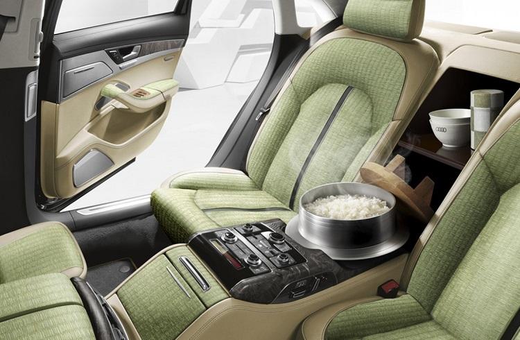 """Dünyanın İlk Yemek Pişirebilen Hamarat Otomobili: """"Audi A8 5.5"""""""