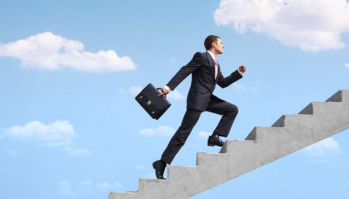 Başarılı İnsanlar Kendi Normlarını Yaratır, Diğerleriyse Belirlenmiş Kalıplara Bağlı Kalır