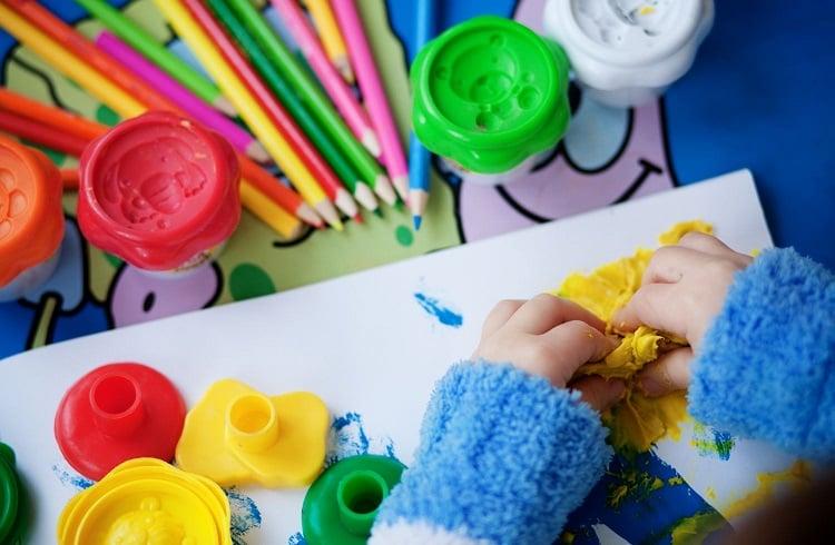 Çocuklar için Oyun ve Aktivite Merkezi Açarak Para Kazanmak