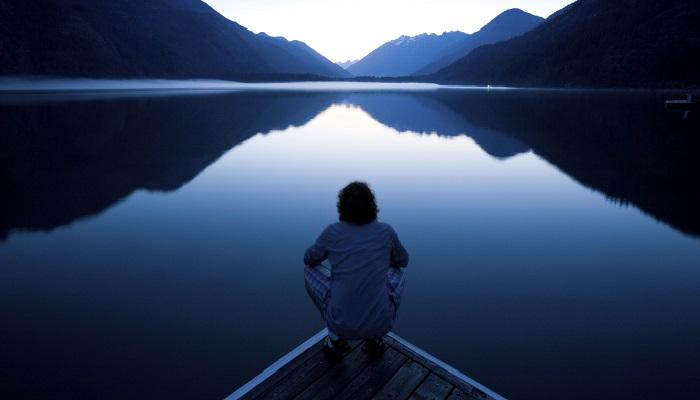 Her Gün En Az 10 Dakika Sessiz Bir Yerde Oturmayı Alışkanlık Haline Getirin!