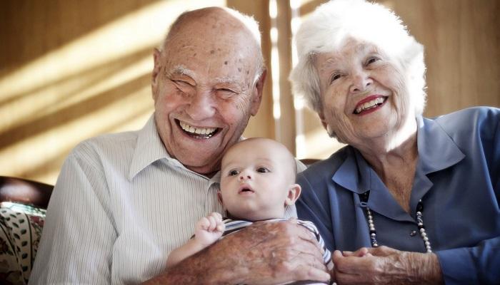 70 Yaş Üstü ve 6 Yaş Altı Kişilerle Zaman Geçirin!