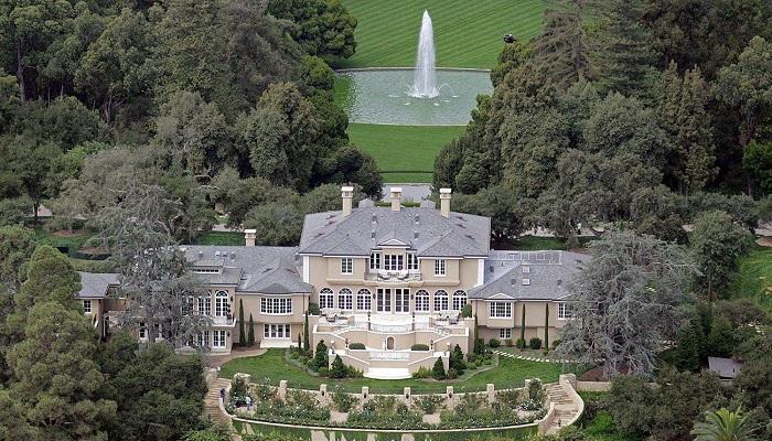 Manor - Los Angeles/Petra Stunt