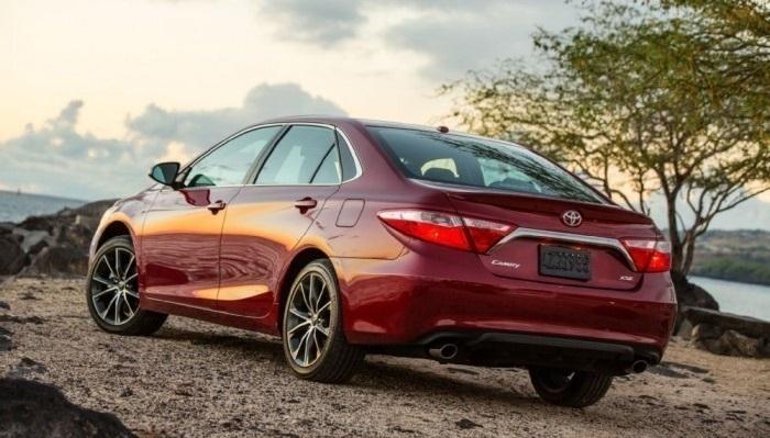 En İyi Orta Sınıf Araba: Toyota Camry