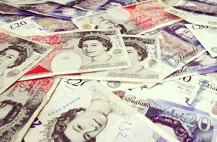 İngiliz Sterlini Yatırımı Yaparak Para Kazanmak