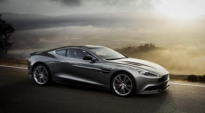 James Bond Spectre Filmindeki Aston Martin DB10 Modelinin Özellikleri Nelerdir?