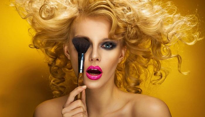 Kimler Kozmetik ve Parfüm Standı Açarak Para Kazanabilir?