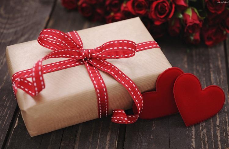 Gönlüm Zengin Diyenlere En Uygun 5 Sevgililer Günü Hediyesi