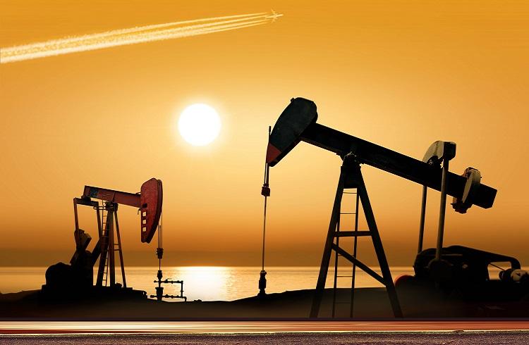 Petrol İran'a Rağmen Kazanımlarını Korudu