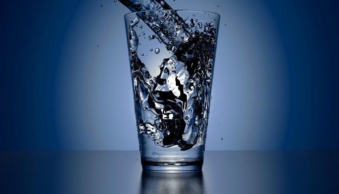 Yanınıza Büyük Bir Bardak Su Alın!