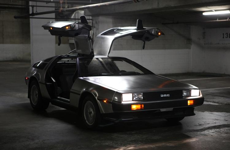 """30 Yıl Aradan Sonra Yeniden Hayat Bulan: """"DeLorean DMC-12"""""""