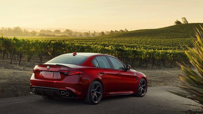 Alfa Romeo'nun En Güçlü Modeli Giulia'nın Fiyatı