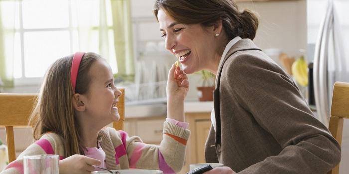 Hem Çalışan Anneler Hem de Çocukları Daha Mutlu Oluyor!