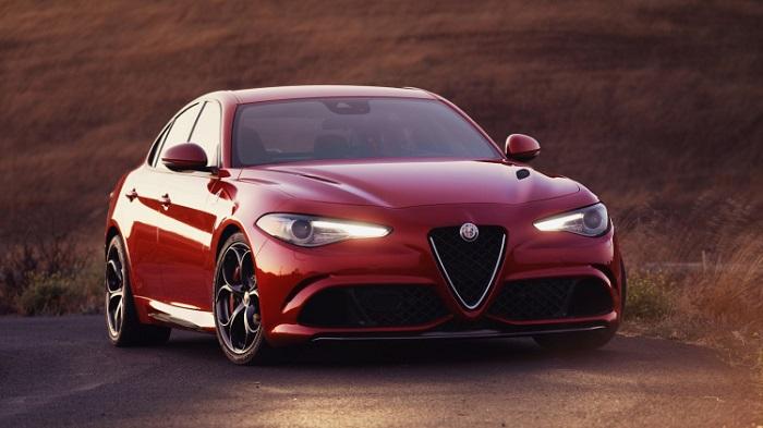 Cenevre Otomobil Fuarı'nın Gözde Modellerinden 2017 Alfa Romeo Giulia'nın Performansı
