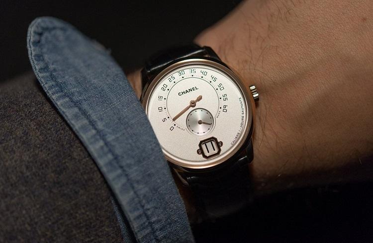 """Chanel'in Erkekler için Ürettiği İlk Saat: """"Monsieur de Chanel"""""""