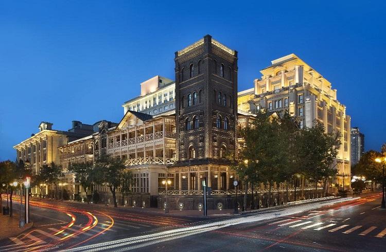"""Tiencin'de Bulunan Tarihi Konaklamanın Adresi: """"Astor Hotel"""""""