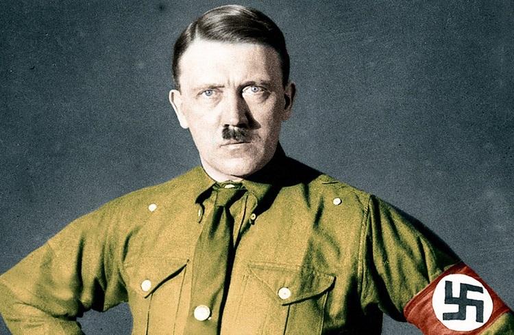 """Hitler'in """"Kavgam"""" Kitabının Kişisel Kopyası Açık Artırmada Satıldı!"""