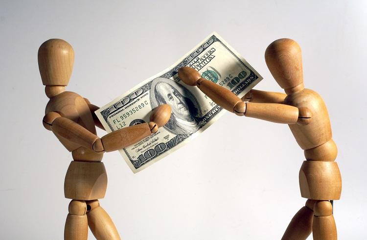 İlişkinize Zarar Verecek 7 Para Sorunu