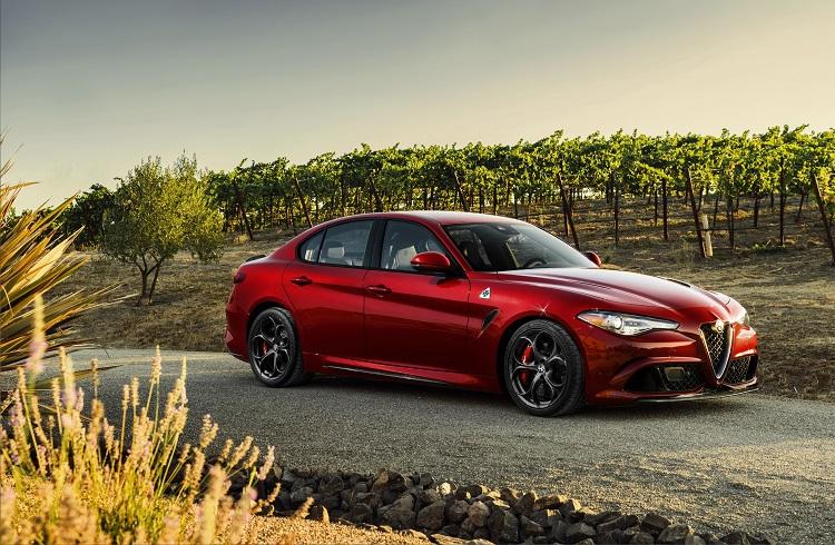 """İtalyan Devi Alfa Romeo'nun Yeni Yıldızı: """"2017 Giulia"""""""